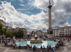 Trafalgar Square and its fountainsBy Christian Reimer (Trafalgar Square) [CC BY-SA 2.0 (http://creativecommons.org/licenses/by-sa/2.0) or CC BY-SA 2.0 (http://creativecommons.org/licenses/by-sa/2.0)], via Wikimedia Commons