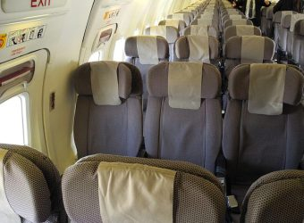 800px-Seats_on_an_airplane